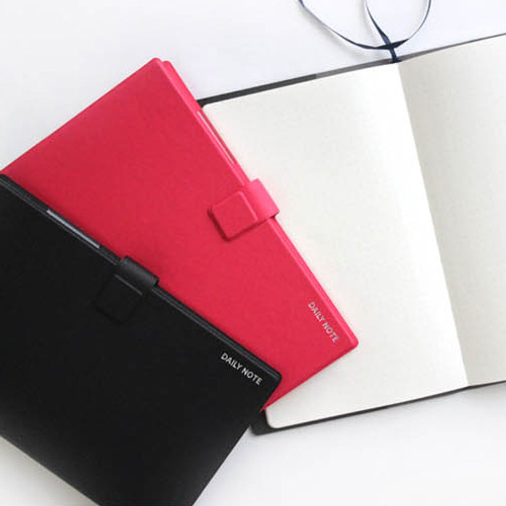 Example of use - Fenice Premium business PU cover medium dotted notebook