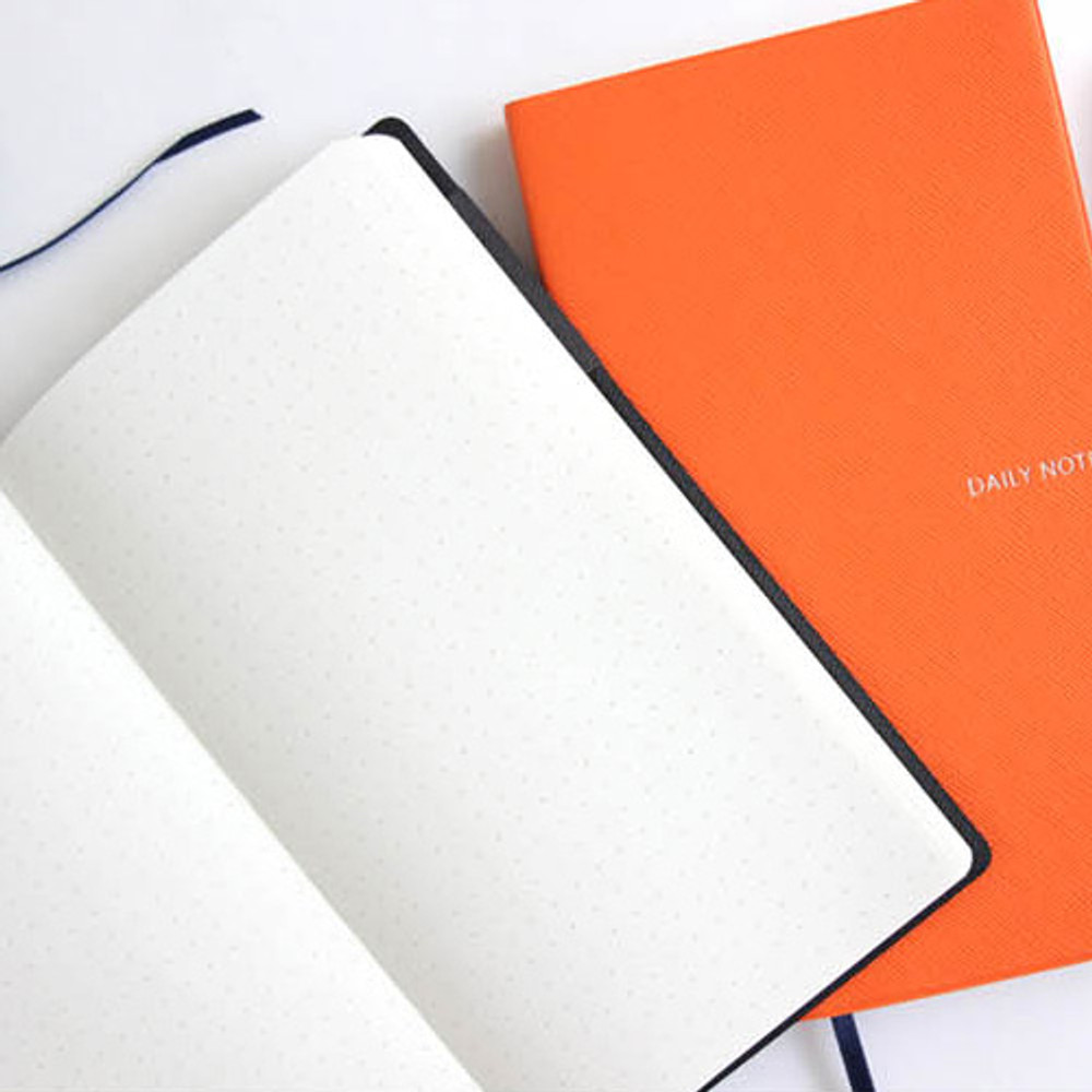 Example of use - Fenice Premium business PU soft cover small dotted notebook