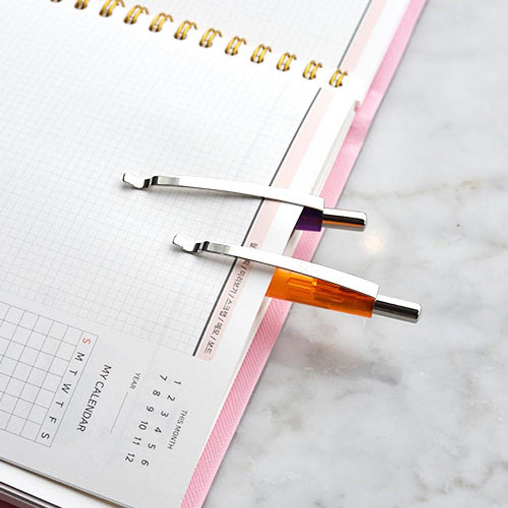 Clip - Play obje Arch stroke 1mm black ballpoint pen