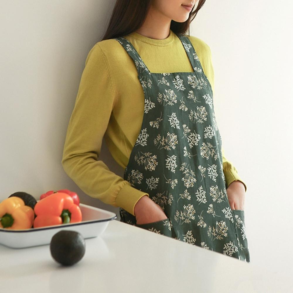 Example of use - Dailylike Lace flower pattern linen cross back apron