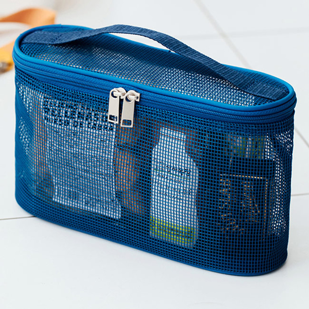 Example of use - Livework A low hill spa mesh makeup cosmetic zipper pouch