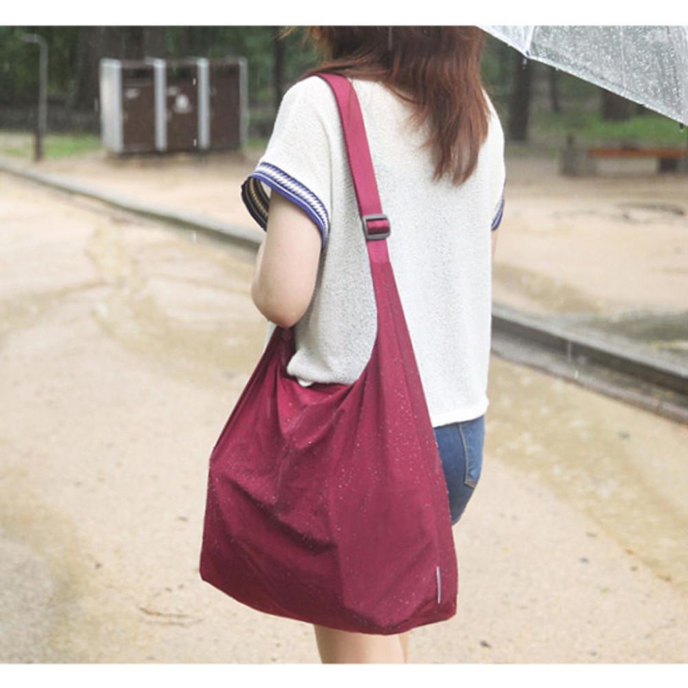 Burgundy - Byfulldesign Travelus water resistant rain bag for bags