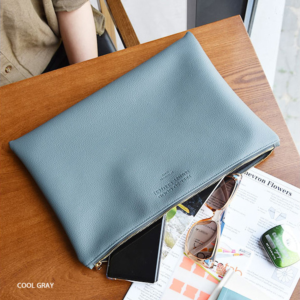 Cool gray - Play Obje Feel so good clutch bag with glasses pocket