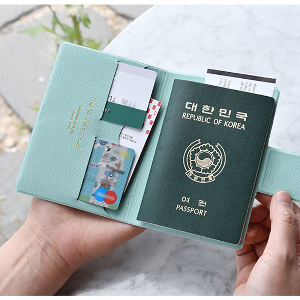 Play Obje Airline travel passport case holder