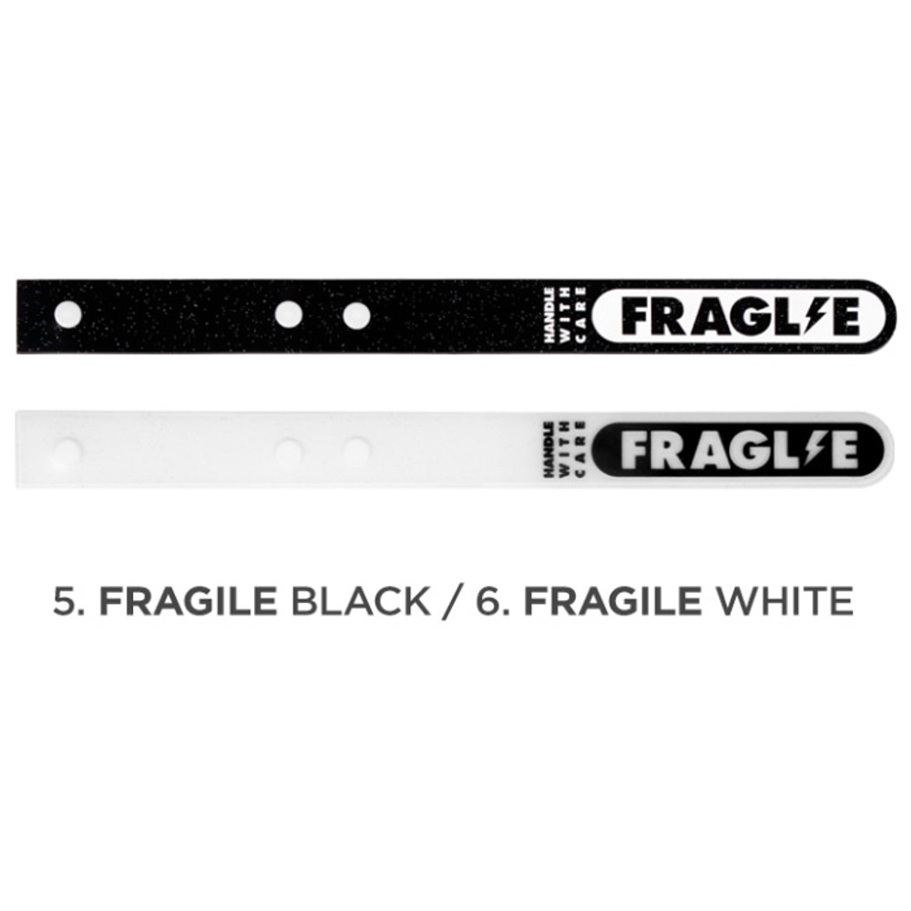 Black, White - Be on D 90s coolkids party travel luggage name tag