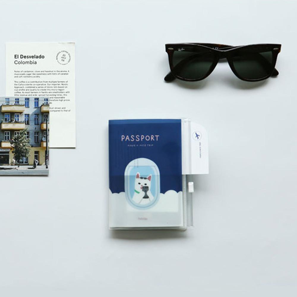 Example of use - Dailylike Happy cat zip pocket travel passport cover holder