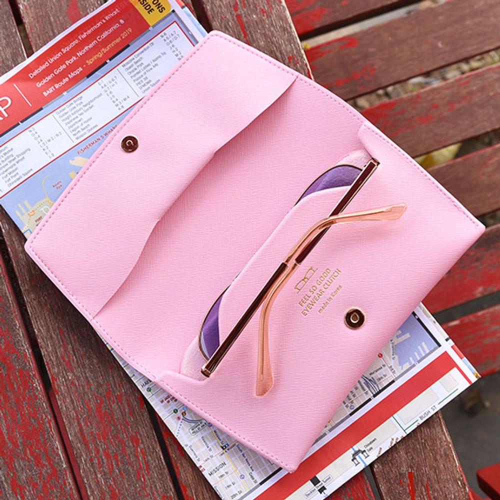 Play Obje Feel so good eyewear clutch pouch bag