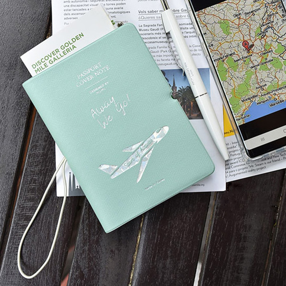Example of use - Play Obje Alway we go hologram passport cover holder with a travel planner