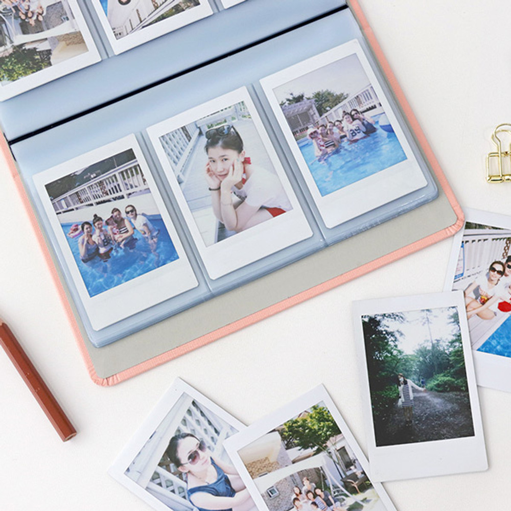 Example of use - Indigo Daily slip in 84 pockets name card album