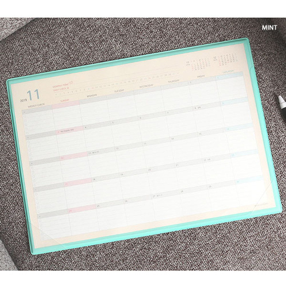 Mint - PLEPLE 2020 Desk mat with dated monthly planner