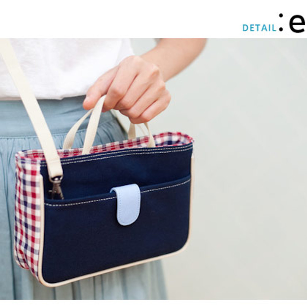 Daily love check pattern Cross body zipper bag with strap