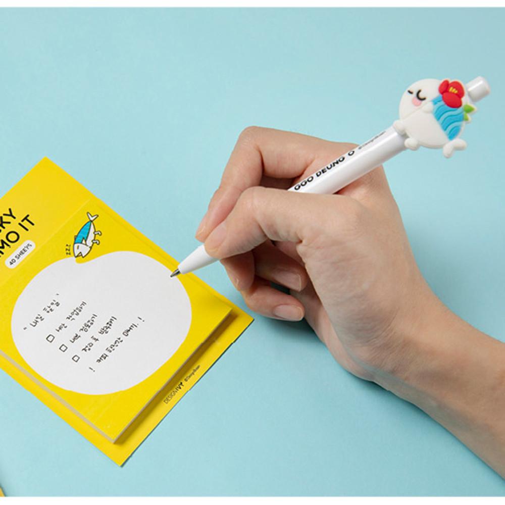 Usage example - DESIGN IVY Ggo deung o 0.5mm black gel pen