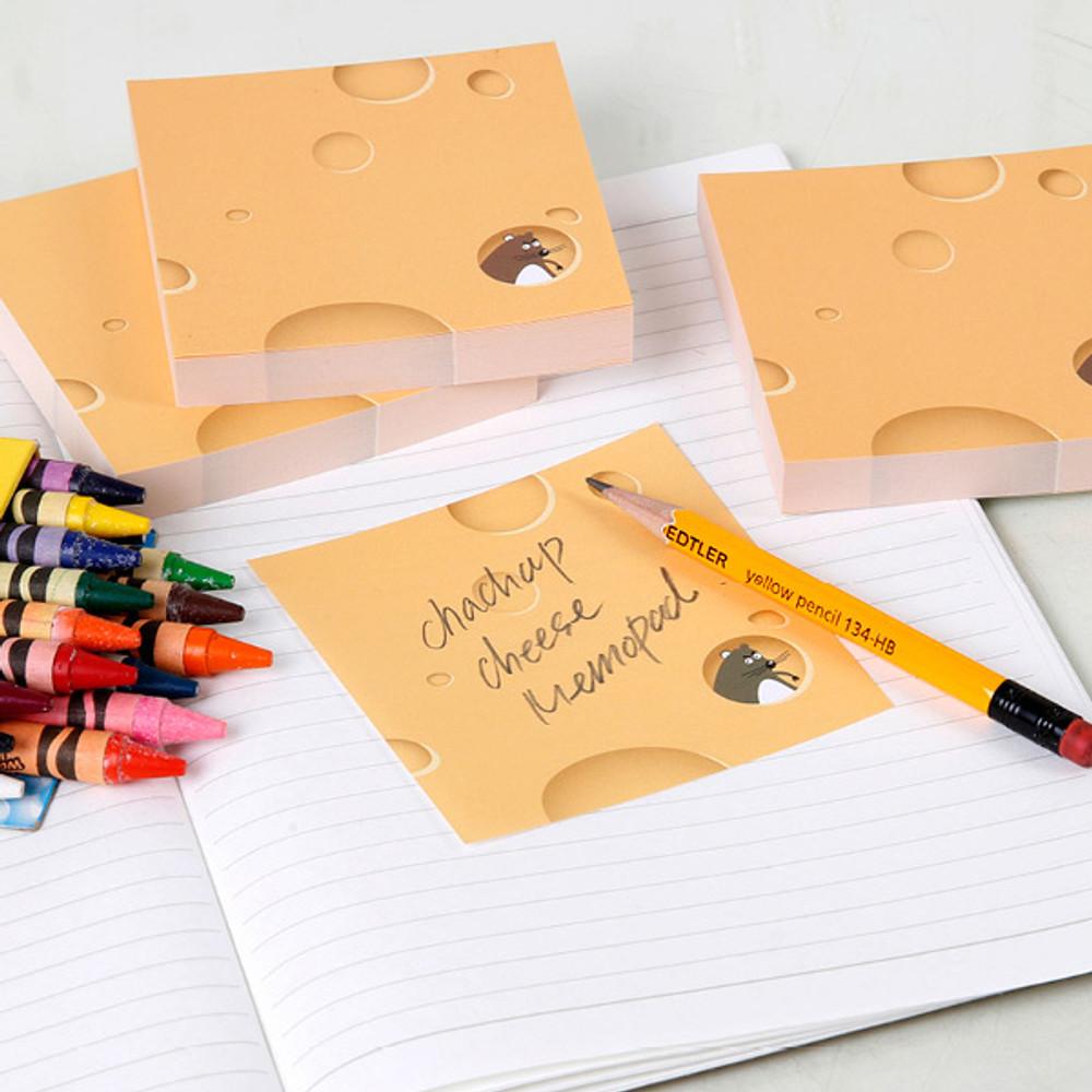 Usage example - Chachap Cheese 100 sheets notes writing memopad