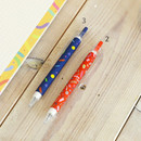Usage example - O-ssum knock retractable ballpoint gel pen with clip
