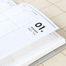 100gsm paper - Iconic 2021 Simple medium dated weekly planner
