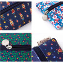 Detail of Pattern middle zipper slim pouch
