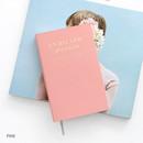 Pink - Un recueil dessais essay notebook