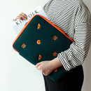 """Example of use - Wanna This Tailorbird embroidered 13"""" laptop pouch case ver4"""