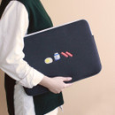 Example of use - Tailorbird embroidered 15 inches laptop pouch case ver4