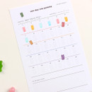 Example of use - Dash and Dot One day one gummy 30 days goal tracker planner
