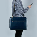 Example of use - Antenna Shop Slim and wide SL 15 inches laptop PC bag