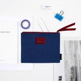 Usage example - Bookfriends World literature lettering cotton zip pouch