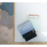 Usage example - N.IVY Hands up Cozy Bear translucent document file holder