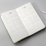 Yearly plan - 2022 Making memory handy dated weekly planner