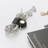Example of use - Classic cowhide leather earphones cable winder organizer