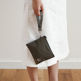 Example of use - Dailylike Oxford cotton flat zipper pouch with a strap