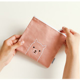 Example of use - Dailylike Embroidery rectangle fabric zipper pouch - Alpaca