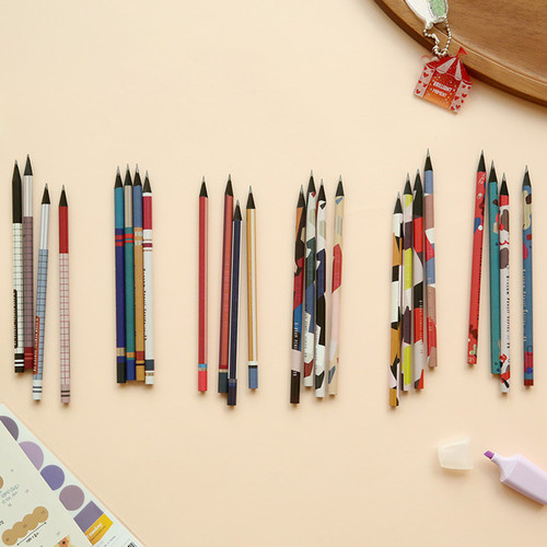 Oh-ssumthing O-ssum black 2B pencil set of 4