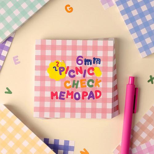 Wanna This Picnic 6mm check 4 designs memo notepad