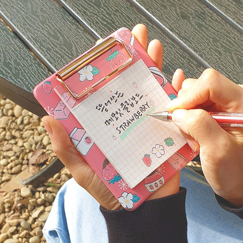 N.IVY Strawberry clipboard holder with sticky notepad