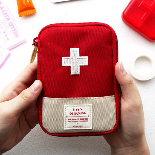 Le around first aid zip around pouch