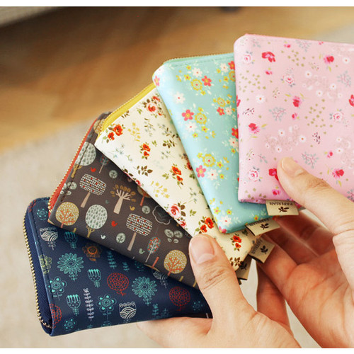 Blossom garden half zip around pocket wallet