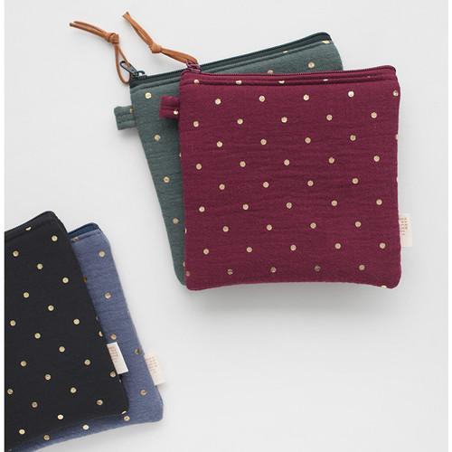 Warm breeze blows square zipper pouch