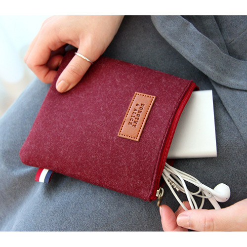 Wine - Dorothy and alice felt zipper pouch XS