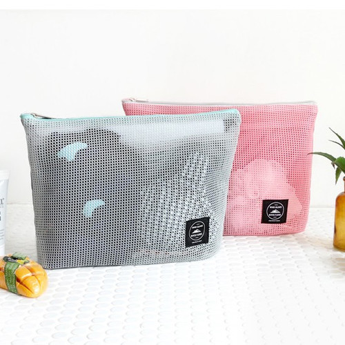 Window blows large mesh zipper pouch