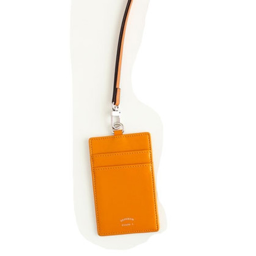 Yellow Card holder - fishing in the bag 01