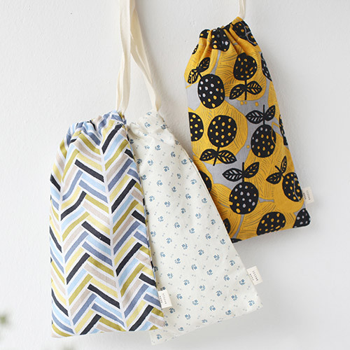 Warm breeze pattern drawstring pouch
