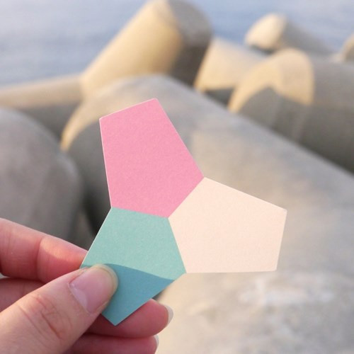 Tetrapod sticky memo note