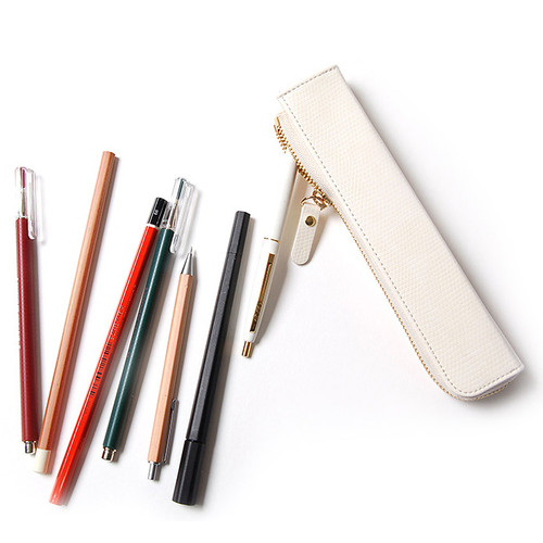 Simple compact zipper pencil case