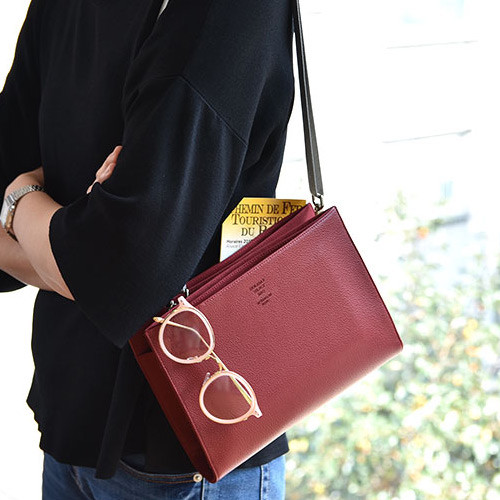 Holiday select cross shoulder bag