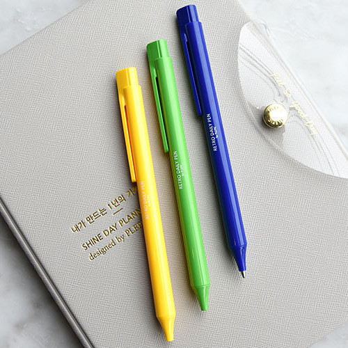 Play obje Retro daily 1mm black ballpoint pen