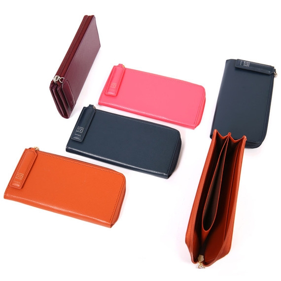 Classy half zip around long wallet