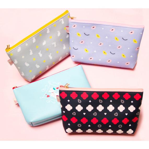 Hello beauty pattern zipper pouch