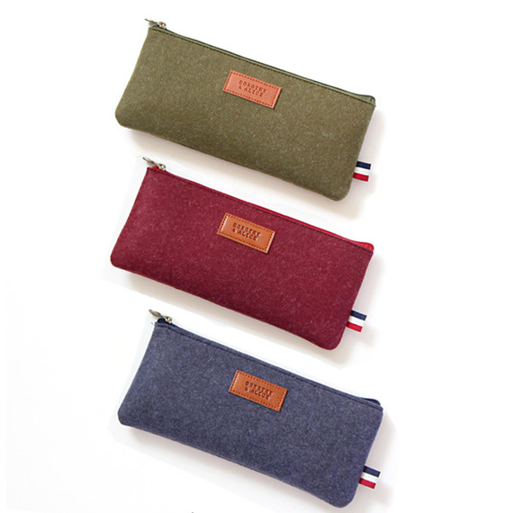 Dorothy and alice felt zipper pouch S