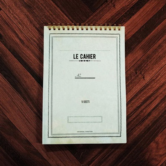 Universal condition Le cahier antique green A5 size spiral center lined notebook