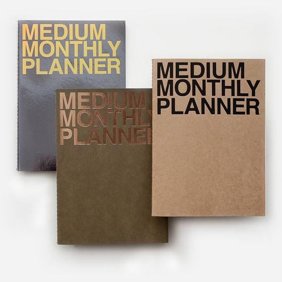Medium 16 months undated monthly planner